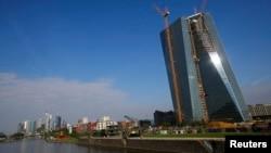 Строящееся новое здание штаб-квартиры ЕЦБ во Франкфурте-на-Майне