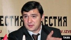 Максим Курочкин на пресс-конференции в газете «Известия»