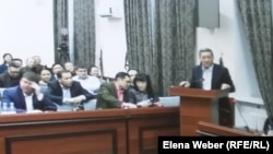 Kazakhstan - Ex top-official Serik Akhmetov speaks at the court. Karaganda. 09Dec2015