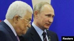 Presidenti rus, Vladimir Putin dhe udhëheqësi i Autoritetit Palestinez, Mahmoud Abbas, foto nga arkivi