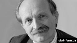 Вячеслава Черновола убили четырьмя ударами кастета, утверждает бывший заместитель генерального прокурора Украины Николай Голомша