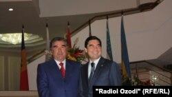 Täjigistanyň prezidenti Imomali Rahmon we Türkmenistanyň prezidenti Gurbanguly Berdimuhamedow GDA-nyň sammitinde, Duşenbe, 2011-nji ýylyň 2-nji sentýabry.