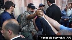 Никол Пашинян и его сторонники в Ереване, 2 мая