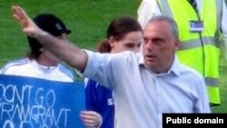 """Авраам Грант спокойно выполнял свою работу на посту главного тренера """"Челси"""". Но не такой спокойной оказалась его супруга"""
