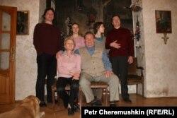 Александр Филиппович Ведерников в кругу семьи