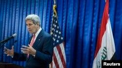 Sekretari amerikan i Shtetit, John Kerry, në Bagdad.