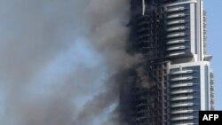 Высотный отель Address Downtown в Дубае, утром 1 января пожар еще продолжался