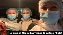 Красноярские волонтёры, развозящие врачей по вызовам
