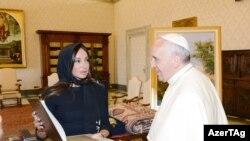 Mehriban Əliyeva Roma Papası ilə görüşüb