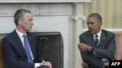 Генеральный секретарь НАТО Йенс Столтенберг и президент США Барак Обама.