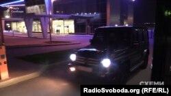 Кортеж Медведчука від'їжджає від VIP-терміналу аеропорту «Київ»