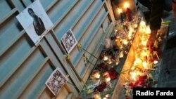 روشن کردن شمع در سوگواری جانباختگان هواپیمای مسافربری؛ شیراز، یکشنبه ۲۲ دی