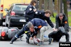 Один из арестов, проведенных французскими спецслужбами 9 января 2014 года