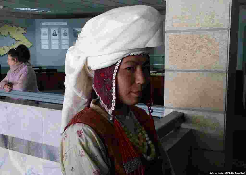Кыргызстандын түштүгүндө көп тараган Сологой элечек. Найман жана Тейит урууларына таандык