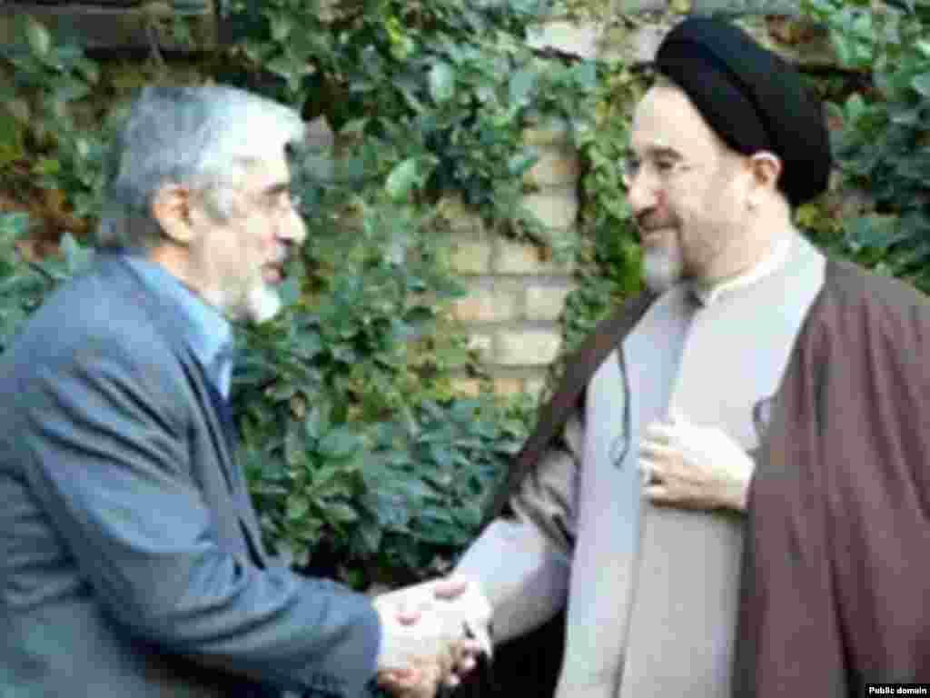 با میر حسین موسوی