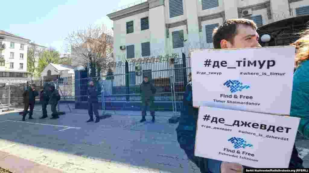 Российскиевласти Крыма де-факто признают единичные случаи исчезновения, но отрицают свою причастность к ним.