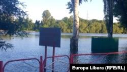 Nistrul s-a revărsat și a acoperit plaja orășenească din Tiraspol