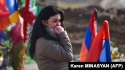 Ерменија во жалост и протести
