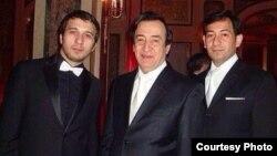 Джурабек Муродов с сыновьями Джонибеком и Хусравбеком