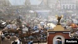 Тәуелсіздік алаңы - Майданда үкіметке наразылардың құрған лагері. Киев, 21 ақпан 2014 жыл. (Көрнекі сурет)