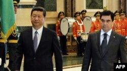 Presidenti i Kinës, Xi Jinping, dhe homologu i tij turkmen, Gurbanguly Berdymukhamedov.