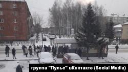 Автобусная остановка в микрорайоне Кедровка в Кемерове