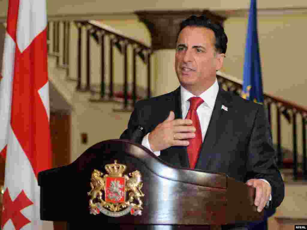 Съемки проходят и в резиденции Михаила Саакашвили