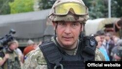Тодішній міністр оборони України Валерій Гелетей у Слов'янську в день звільнення міста від бойовиків російських гібридних сил, 5 липня 2014 року