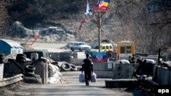 Блокпост бойовиків біля Станиці Луганської, ілюстративне фото