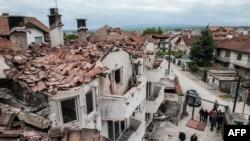 Куманово шаарындагы кагылышта кыйраган турак үйлөр. Македония. 11-май 2015