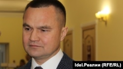 Sergei Kazankov is facing a candidate with the same name as his father. (file photo)
