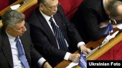 Ілюстративне фото. Юрій Бойко, голова фракції «Опозиційний блок», у Верховній Раді. Київ, архівне фото