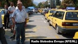 Такси превозници во Битола.