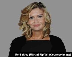 Lola Karimova-Tillaeva (Rassom Martinsh Upitis)