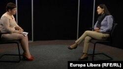 Liliana Barbăroșie și Hanna Shelest în studioul Europei Libere la Chișinău