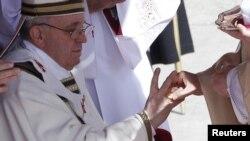 Устоличување на папата Франческо