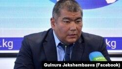 Самат Токтоболотов.