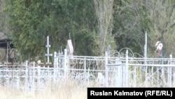 Кладбище в Ала-Буке, где похоронена баптистка.