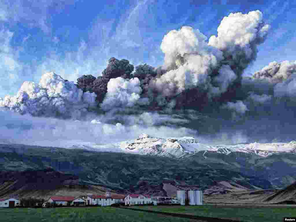 A plume of volcanic ash rises from the Eyjafjallajokull volcano in Iceland. The eruption that began on April 14 has spread ash across much of Northern Europe and caused massive disruptions of air transport across the region.Photo by Olafur Eggertsson for Reuters