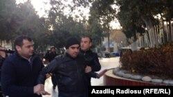 Участники акции протеста в Баку были задержаны милицией