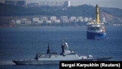While some Russian warships have carried stealth technology, such as a radar-absorbing coating, none has had full stealth technology. (illustrative photo of a Russian Navy corvette)
