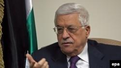 محمودعباس یک روز قبل به نيروهای امنيتی خود در کرانه باختری رود اردن دستور داده بود تمام هواداران بازداشت شده حماس را آزاد کنند.(عکس: epa)