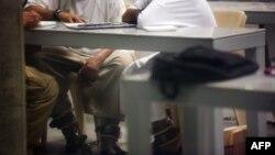 Гуантанамо түрмесіндегі тұтқындар. Куба, 19 қаңтар 2012 жыл. (Көрнекі сурет)