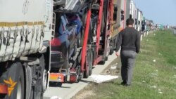 Truck Traffic Stopped Dead At Serbian-Croatian Border