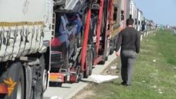 Truck Traffic Stopped Dead At Serbian-Croatian Border