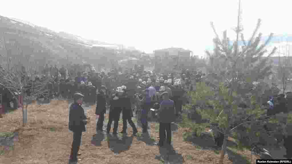 Поминальные мероприятия прошли и в селе Кара-Жигач. Аксыйский район.
