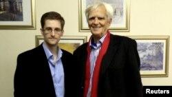 Едвард Сноуден и Ханс Кристијан Штробле, Москва, 31.10.2013