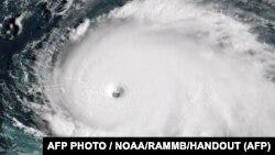 "Ураган ""Дориан"" на спутниковом снимке, 1 сентября 2019"