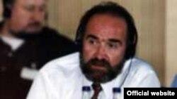 Олег Панфилов, рӯзноманигори тоҷик