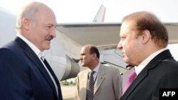 Аляксандар Луашэнка і пакістанскі прэм'ер-міністар Наваз Шарыф